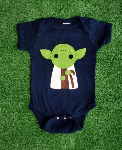 Yoda baby jumper. Because every infant needs a little nerd factor before they can choose their own clothes :) So doing this! #starwars