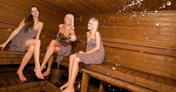 Найти видео женщин в бане 2 фотография