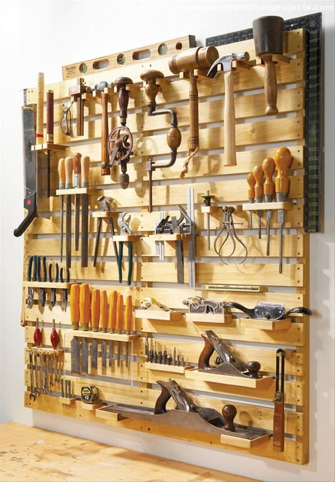 Now we are free to make and design several wooden articles according to our needs and choice. And obviously this is the freedom rendered by shipping pallet recycling that allows us to think about making a full fledge tool rack for your domestic workshop or wherever you work. Let's have a look on multiple pallet tools rack ideas that you guys would adore.