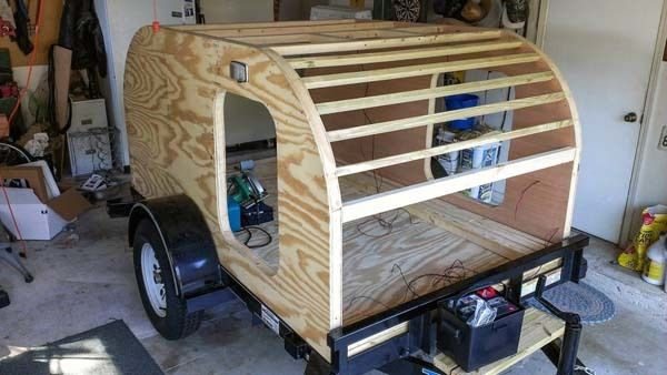 Sweet little DIY teardrop style camper!