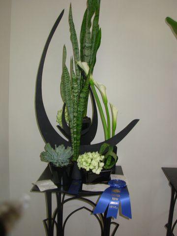 ... about Mes flores on Pinterest  Ikebana, Flower show and Floral design
