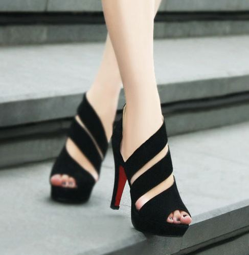 Loooovve these shoes !!!! New stylish handmade black straps high heel sandals