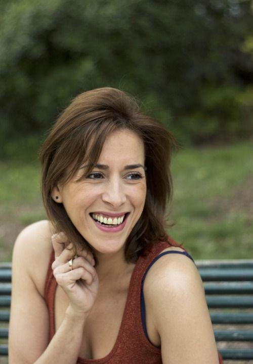 Julia-Myriam Sadel - Book comédiennehttps://virginiaquadjovie.tumblr.com/tarifs
