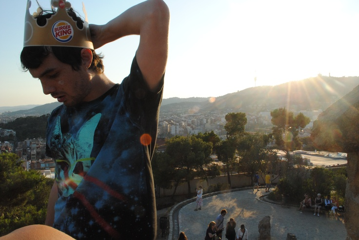 Barcelona this summer + random guy with burger king crown = awesome picture!