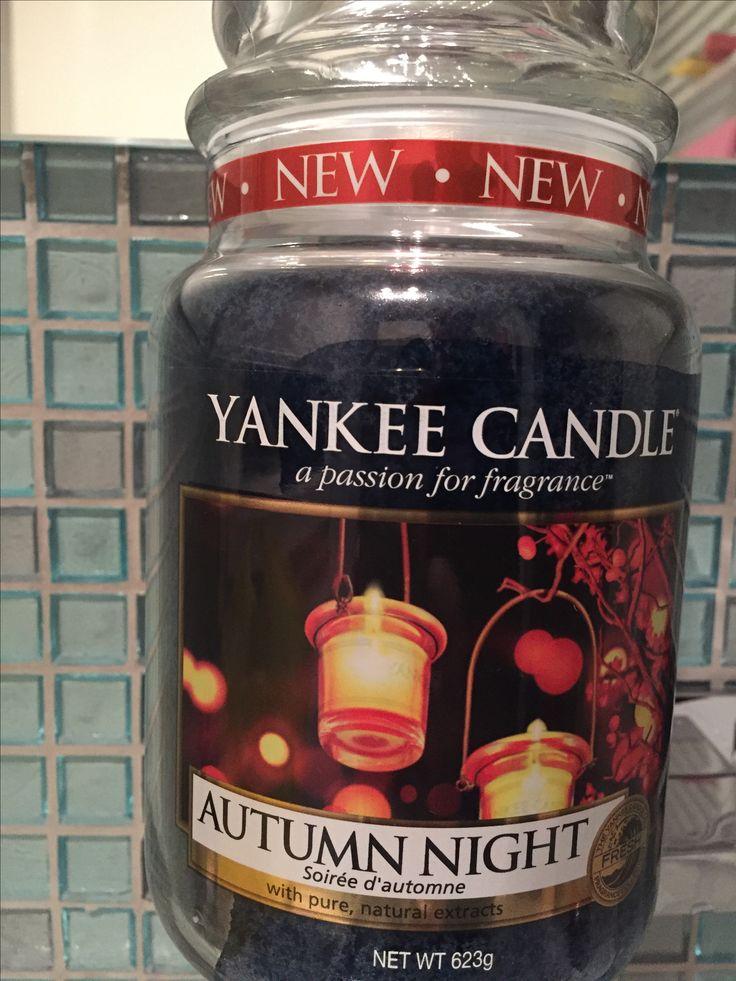 Yankee Candle Autumn Night - Large Jar