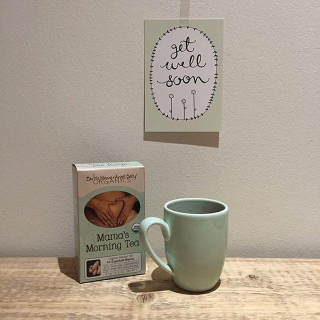 """Als elke geur opeens een uitdaging wordt en het niet alleen bij de ochtend blijft. De """"mama's morning tea"""" en alle andere producten geven jou een ontspannen zwangerschap! #zwanger #kraamzorg #verloskunde #zwangerschapsverlof #zwangerschap #pregnant #baby #babyshop #babystuff #emab #earthmamaangelbaby #verzorging #tea #thee #morning"""
