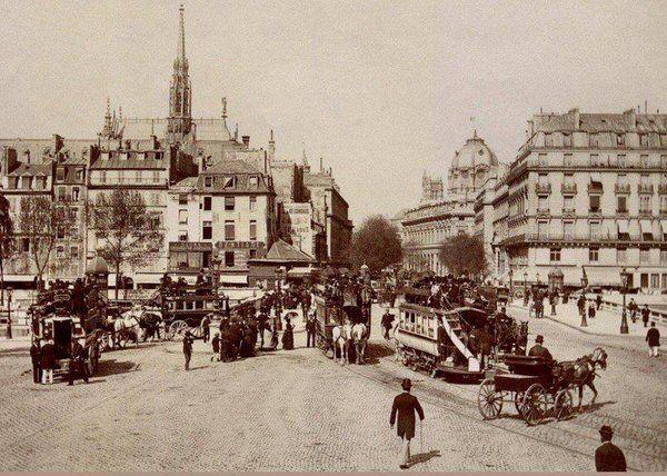 #Paris - La place et le pont Saint-Michel vers 1900 #histoire