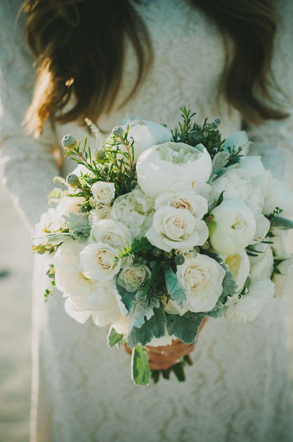 Hochzeitskolumne: Blumen, Film und das Standesamtkleid | Journelles
