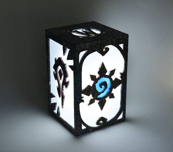 Lampara de World of Warcraft. Luz ambiental. Decoracion, iluminacion en madera de marqueteria. Hearthstone, alianza, horda. Juego…