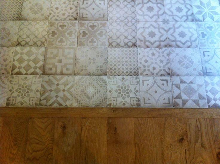 19 best tilestyle bathroom showroom dublin images on pinterest for Coller carrelage avec ciment