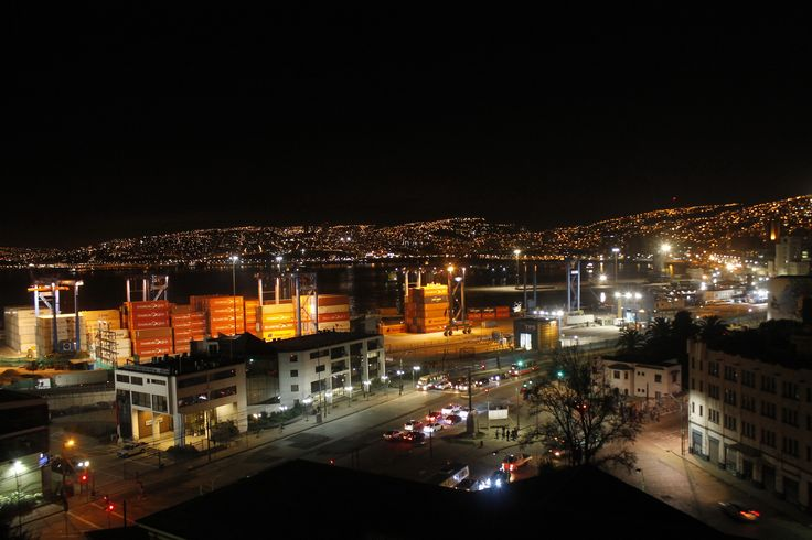 Valparaiso en la noche