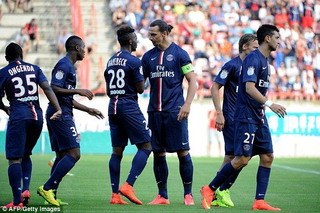 Zlatan Ibrahimovic (third left) congratulates goalscorer Jean-Christophe Bahebeck | Football Wallpapers