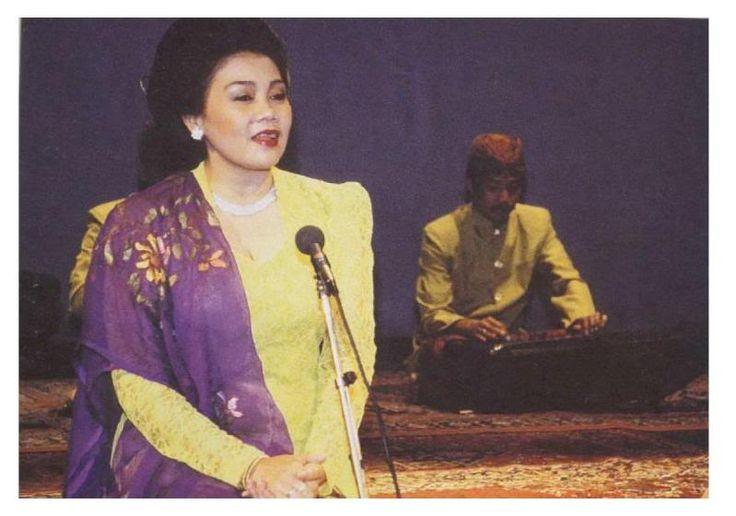 TRẦN VĂN KHÊ - Âm nhạc truyền thống Việt Nam: tháng ba 2013