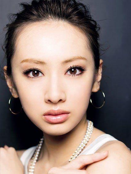 いい女風のざっくりアップスタイル☆ 北川景子の髪型一覧。