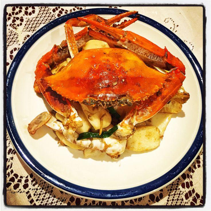 姜葱梭子蟹炒年糕 ~ Ginger & Spring Onion Blue Swimmer Crab w Rice Cakes   #mealforameal #instafood #foodpic #foodelicious #springonion #ginger #Sichuanpeppercorns #Chinesefood #stirfry #ricecakes #crab #ChineseNewYear  #CNY #tasty #家常便饭 #梭子蟹 #蟹 #炒年糕 #年糕 #蟹炒年糕 #姜 #葱 #姜葱蟹 #春节