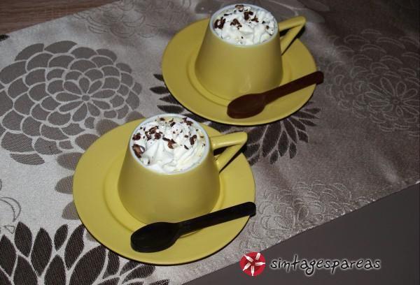 White hot chocolate (Ρόφημα λευκής σοκολάτας) #sintagespareas #rofimazesto #sokolata