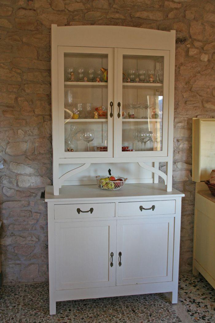 La nostra vecchia vetrina ridipinta con la Chalk Paint di Annie Sloan Original White