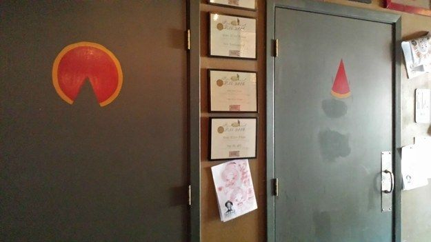 The toilet signs in this pizza place. | The 28 Cleverest Things That Have Ever Happened