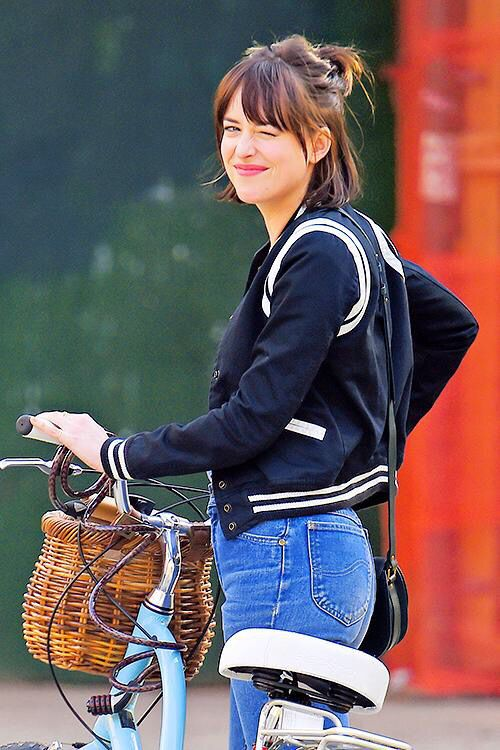 Dakota Johnson this look is amaze