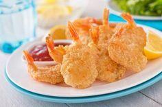 Cómo hacer camarones apanados. Los camarones apanados o empanados (también conocidos como camarones a la milanesa) constituyen un plato de élite, el más pedido en los restaurantes costeros. Es una deliciosa receta que, además, pued...