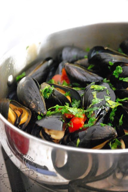zuppa di cozze | mussel soup