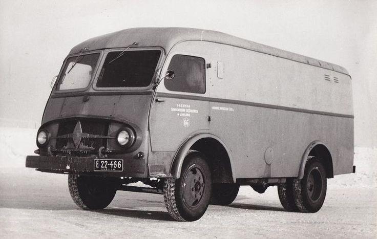 Pojazd powstał w oparciu o podzespoły samochodu ciężarowego Lublin 51.