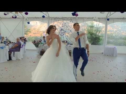 Шикарнейший свадебный танец микс Юлии и Сергея - YouTube