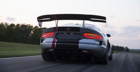 Dodge SRT revela el precio del nuevo y más extremo Viper ACR - Motor y Racing
