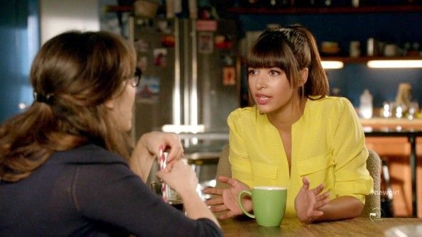 Hannah Simone - New Girl Season 2 Episode 18