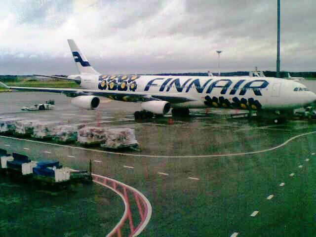 Airplane wearing Marimekko #Unikko #rdwshanghai2012