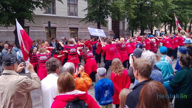 the crew parade on Bulevardi