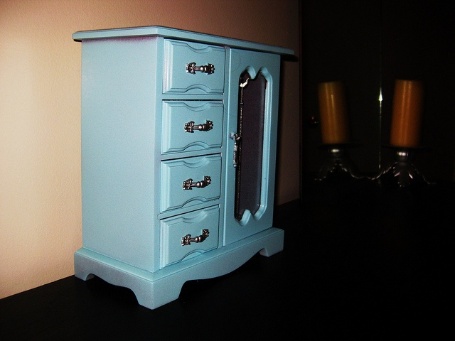 take a look at our creative tiffany blue bedroom home decor ideas at