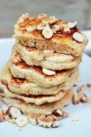 Une recette très simple et idéale pour le brunch ou le petit déjeuner, des pancakes réalisés avec les mêmes ingrédients qu'un muesli. Terri...