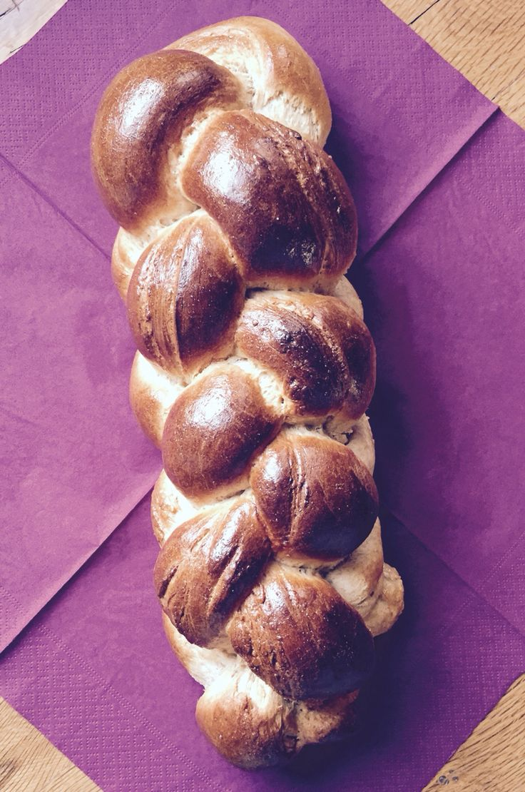 Bread of the week: Spelt&Wheat Zopf (traditional Swiss Sunday bread, great for breakfast with jam,Nutella or honey or for sandwiches)