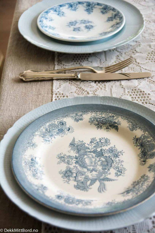 Lyseblå mix - Delicious light blue mix #borddekking #table setting #wedding #party #selskap #bryllup #konfirmasjon #dåp #rörstrand #utleie