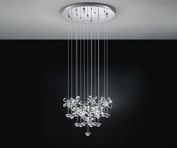 Lampadario a sospensione Eglo modello Pianopoli ø50cm. <br />Sorgente luminosa LED 37,5W luce calda.<br />Struttura in acciaio cromato e pendenti in cristallo a forma di fiore. Crea un'atmosfera scintillante donando un tocco di originalità agli ambienti. Perfetto per il salotto o ambiente living, i LED assicurano un'illuminazione efficiente con un notevole risparmio energetico.<br />Led sostituibili. Non dimmerabile.<br /><br />Specifiche tecniche: <br /><br />larghezza: ø50 cm<br…