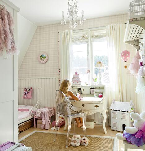 Hempeä tytön huone