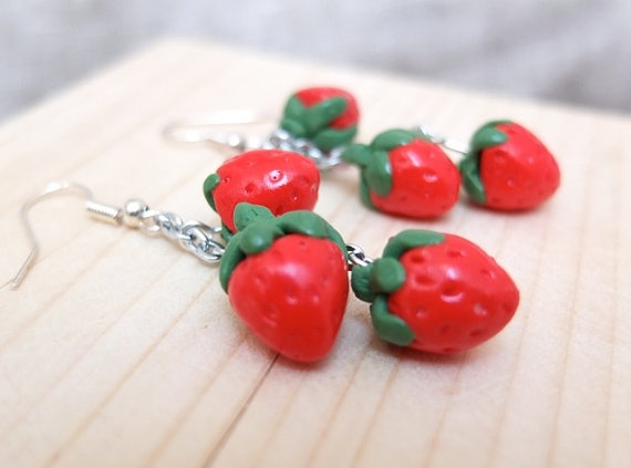 YUM!!! These delicious strawberries are great for the summer on an every day wear or for something more dressy. Every one can wear them and anytime! Check out the wild berries for something similar! Summer collection - strawberries earrings.