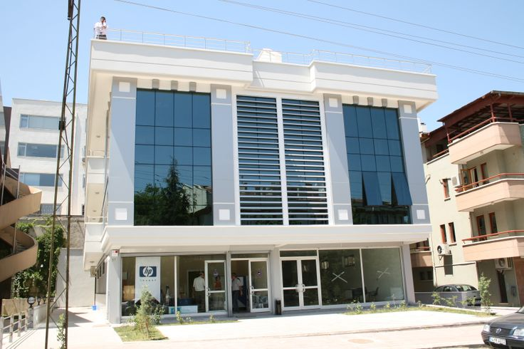 The architectural systems with which Alumil supplied the Business Center Rifat Erdem in Ankara, are the Curtain wall M4 and the Hinged System M9650. For further information visit our website www.alumil.com