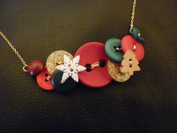 Christmas Button Necklace by DreambirdDesign on Etsy, £8.00
