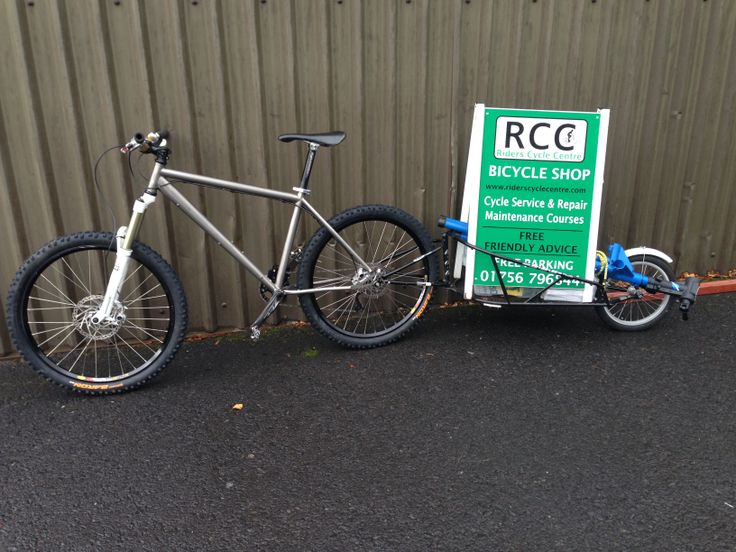 A bit of trailer advertising along with some leaflets. Spreading the word that RCC is here to help. Dedicated cycle service and repair. Check out our website http://www.riderscyclecentre.com