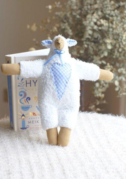 Handgefertiges Baby Schaf aus Baumwoll-Frottee