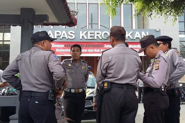 Usai Bentrok Lapas Kerobokan Dijaga Ketat Puluhan Polisi