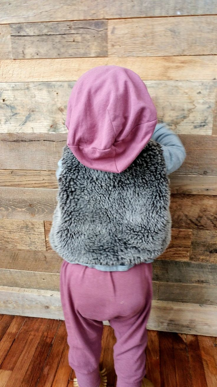 Peek-a-boo! Reversible bamboo slouchy hat. Canadian made. Girls clothes. Baby girl. Childrens fashion. Lil Slouchies