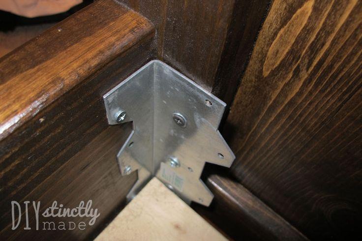 DIY Poterry Barn Farmhouse Bed | DIYstinctlyMade.com