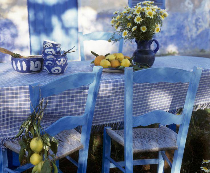 Casa in Stile Mediterraneo Tavola in Giardino