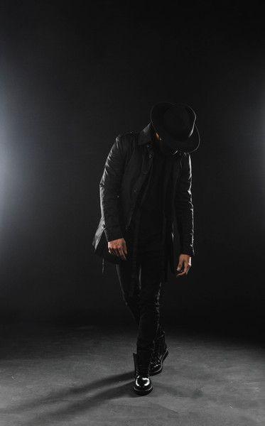 black kimono shirt + black fedora hat + black strapped trench coat
