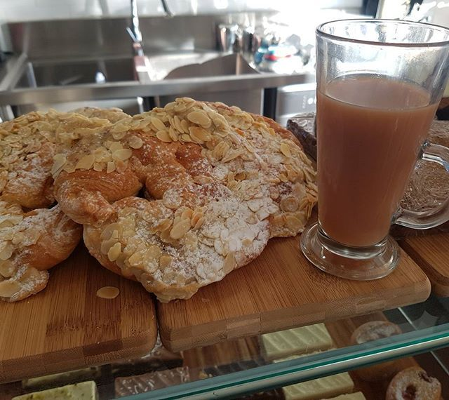 """""""GOOD MORNING EVERYONE I know what im having for breakfast thismorning...An almond croissant with my tea 🤗👌🍽☕🍵 Pop in a enjoy a warmly toasted Almond Croissant with your Tea or Coffee. We also do a delicious Spiced Chai Latte using our house blend of Chai Leaves...with Bonsoy OH MY !! #soy #bonsoy #chai #chailatte #houseblend #coffeesnob #coffee #melbournecoffeescene #bestcoffeeonkeilorroad #essendon #cafe #tea #cakes #desserts #catering #events #glutenfree #rawcakessoldinstore #raw…"""