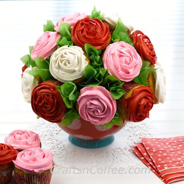 DIY a Valentine's Day Cupcake Bouquet! Tutorial on CraftsnCoffee.com.