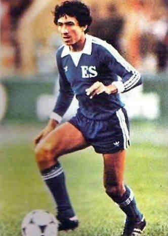 Jorge 'Mágico' González. El Salvador. Delantero/ Striker. Antel (1975-1976). Independiente (1976-1977).  FAS (1977-1982). Cádiz FC (1982-1984). Real Valladolid (1985-1986). Cádiz FC (1986-1991). FAS (1991-2000). Champion/ Campeón de Liga en El Salvador en 4 ocasiones/ times (1977-1978, 1978-1979, 1994-1995 y 1995-1996).